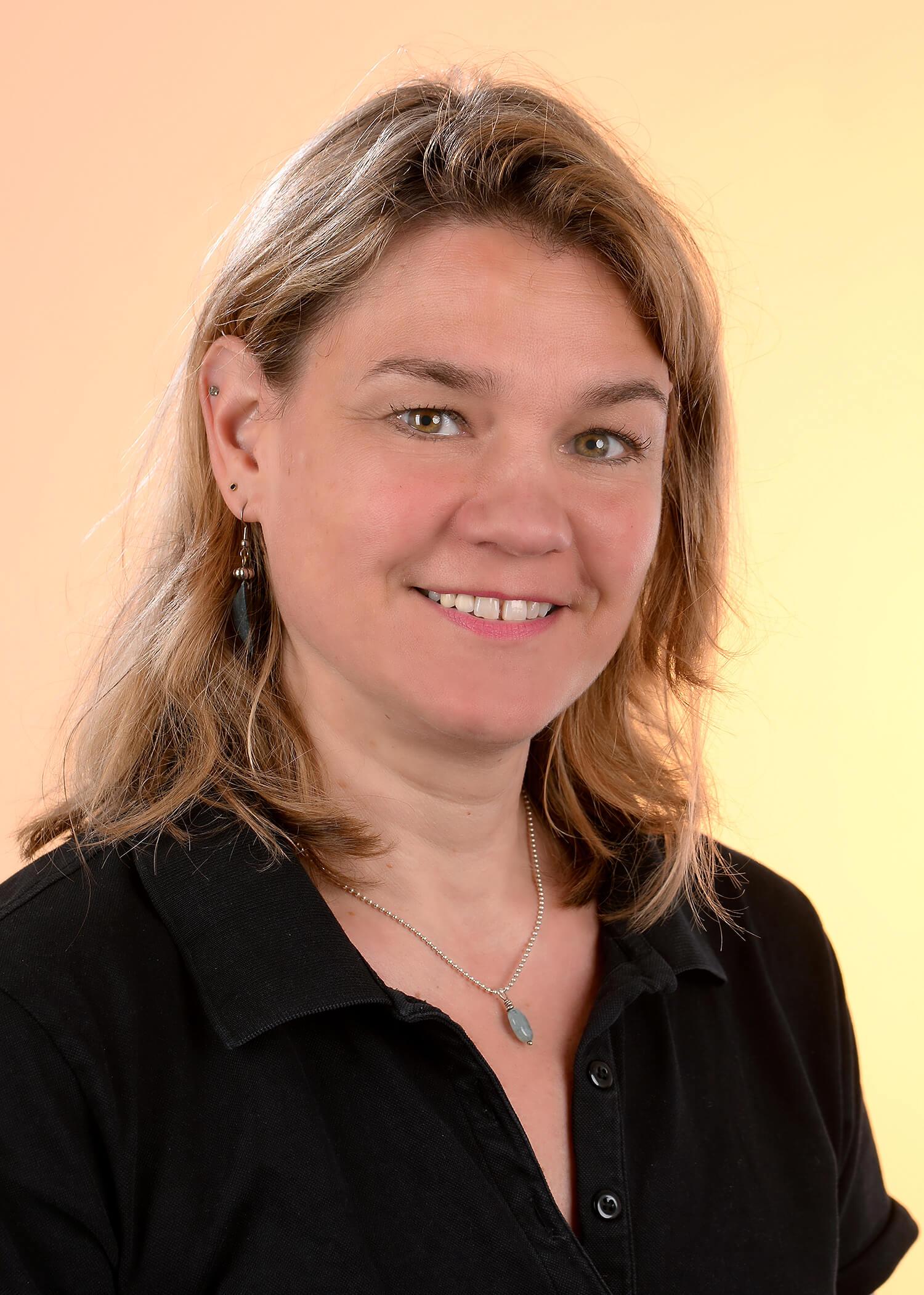 Birgit Aschenbroich, Physiotherapeutin